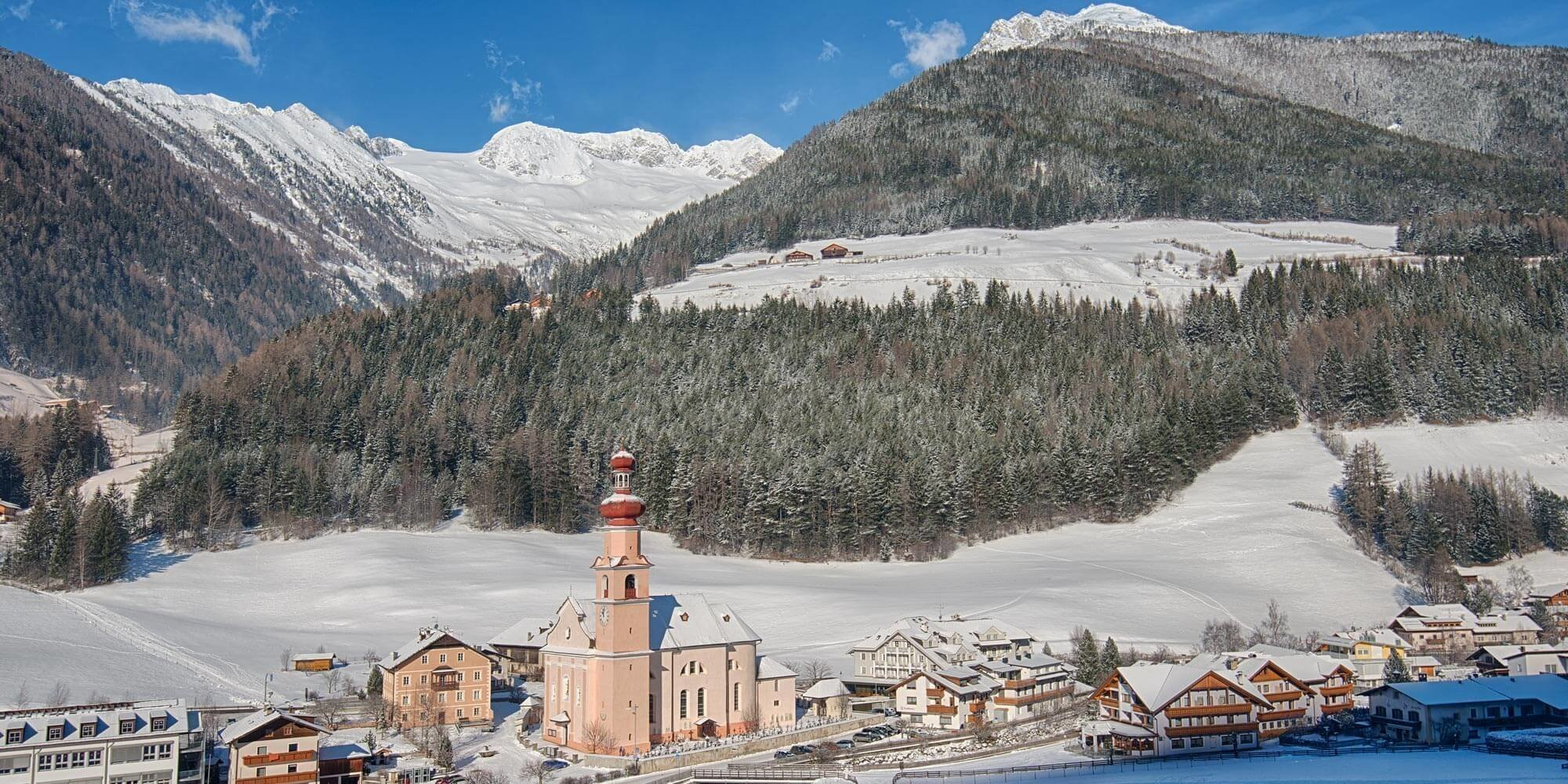 Your winter holidays in the Alps: Skiing in Ahrn valley